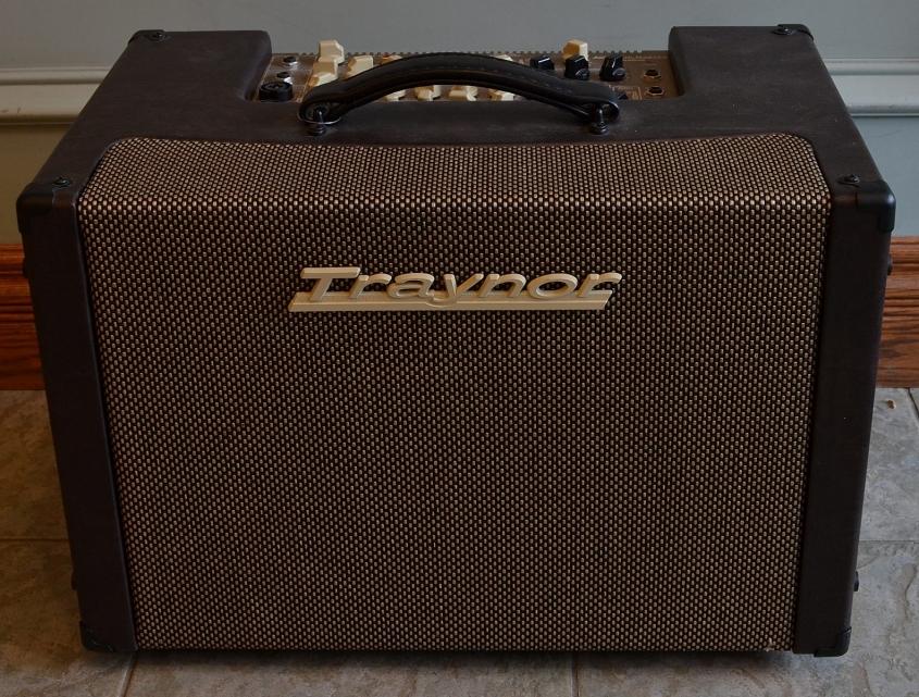 Traynor_Acoustic Master Custom Amp