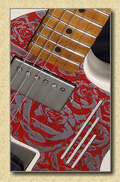 Trussart_Deluxe_Steelcaster_Cream_Red_Roses_b