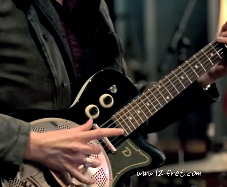 Playing A Simple Dead Thumb Blues - The Twelfth Fret Music School