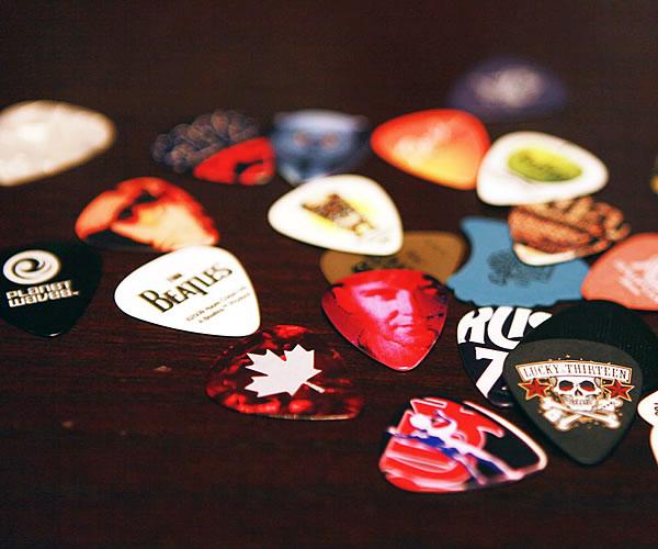 Accessories - Picks - The Twelfth Fret