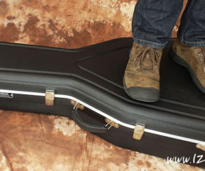 Hiscox Acoustic Guitar Flight-Case; Lightweight and Ultra Tough