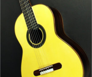Ramírez Model GH Tourist Guitar