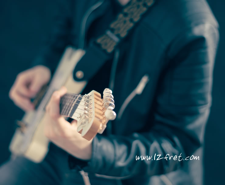 Seven Mistakes Beginner Guitar Players Tend to Make - The Twelfth Fret