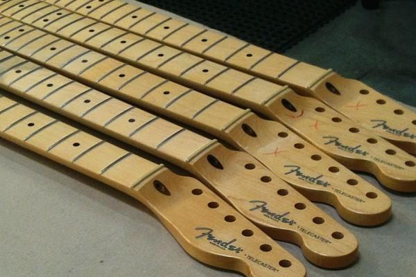 Fender-Tour-122