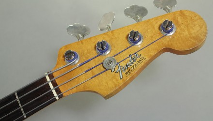 Fender-Precision-Bass-1964-head-front