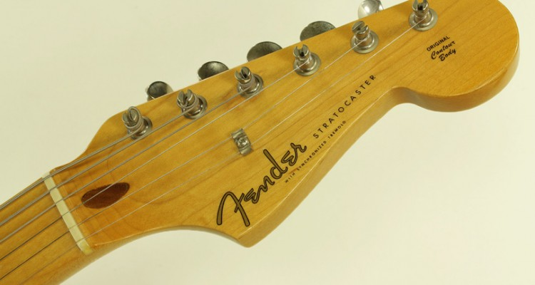 Fender-Stratocaster-57-Reissue-1986-head-front