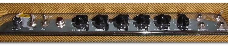 Fender_Bassman_59_ReissueC_panel