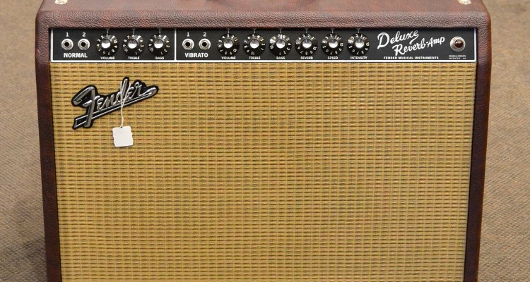 Fender_Deluxe-Reverb_Red_2011c