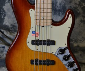 Fender Jazz Bass Deluxe Five String 2007 (Consignment) No Longer Available