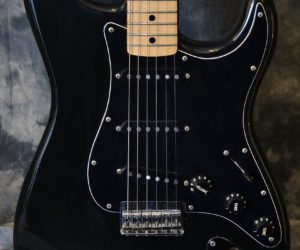 Fender Strat Hardtail 1979 (Consignment) No Longer Available