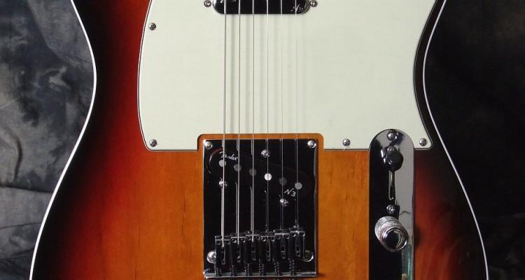 Fender_Tele_Am_Dlx_2010_Top