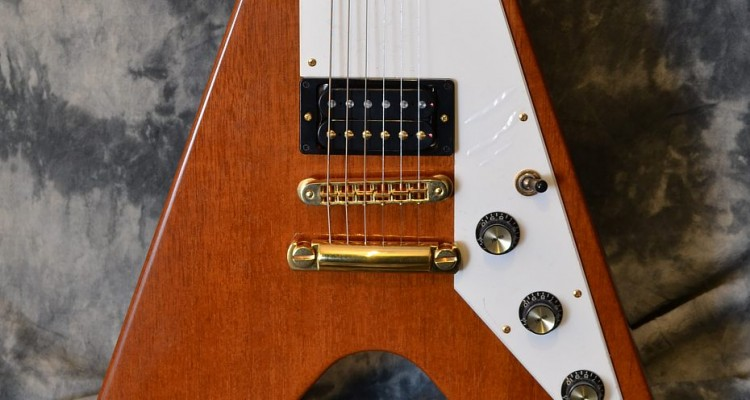 Gibson_Flying-V_2000C_top