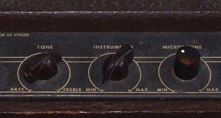 Gibson_GA-20_amp_1955_panel