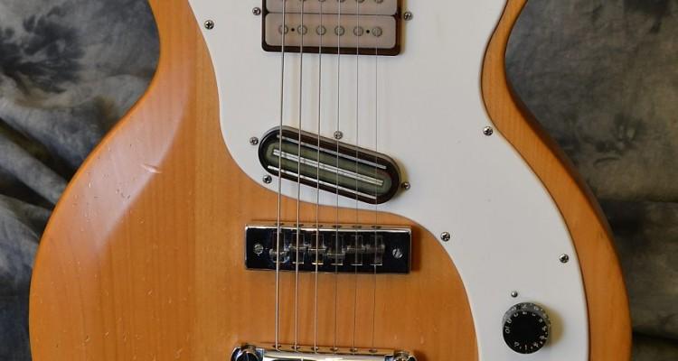 Gibson_Marauder_1976C_top