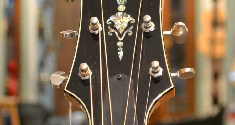 Greenfield-Slope-Maple-2000-C_headstock