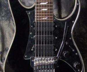 Ibanez UV777 Universe 7 String (Used) SOLD
