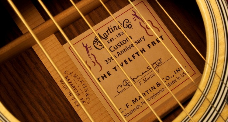 Martin_CS_12fret_35th_HD28_label_1