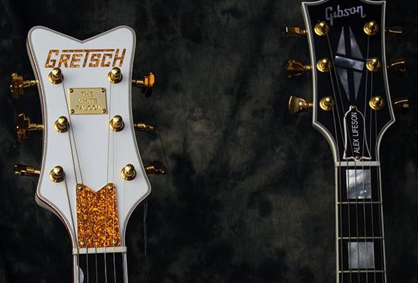 Two_White_Guitars_Heads