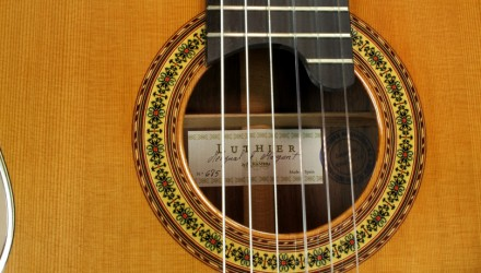Alhambra-Luthier-Rio-Concert-Classical-Cedar-685-label