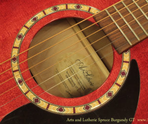 Art and Lutherie Spruce Burgundy GT