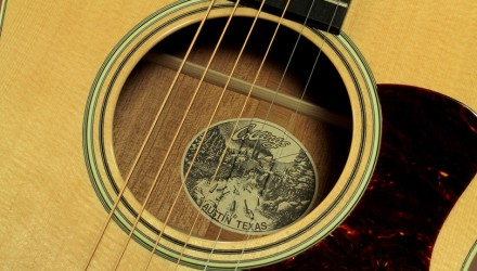Collings-C10-label