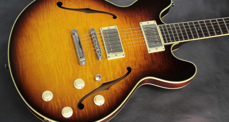 Collings-I-35-Deluxe-2007-top