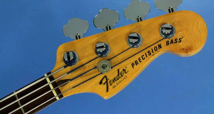 Fender-Precision-Bass-1978-head-front