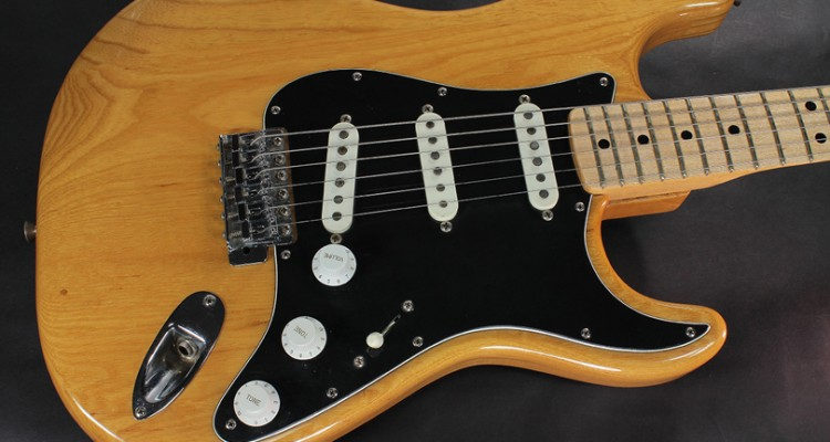 Fender-Stratocaster-Natural-1973-top