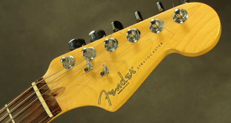 Fender-Hardtail-Stratocaster-1999-head-front