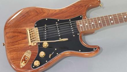 Fender-Strat-Walnut-1983-top