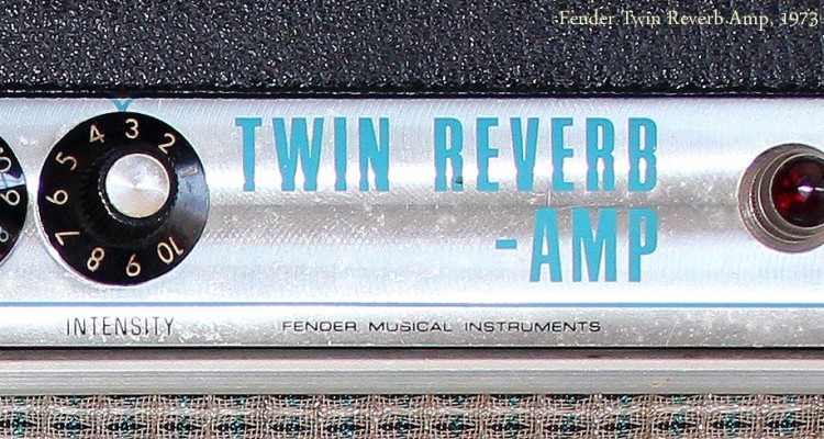 Fender-Twin-Reverb-Amp-1973-nameplate