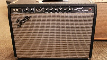 Fender-Vibrolux-Reverb-Amplifier-1967-Full-Front-View