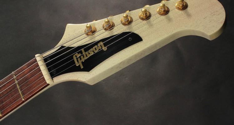 Gibson-Custom-Shop-Non-Reverse-Firebird-2003-head-front-view