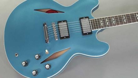 Gibson-Dave-Grohl-DG-335-Pelham-Blue-top