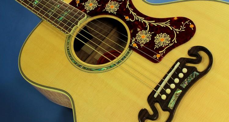Gibson-J-200M-Blonde-top-detail