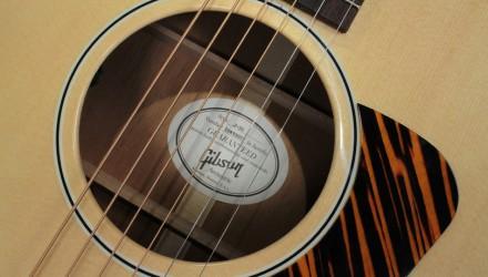 Gibson-J-35-label