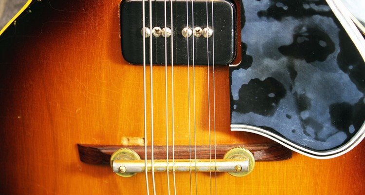 gibson_em200_front_detail_2