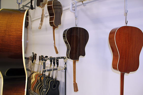 gibson_tour_shop_finish_track_4