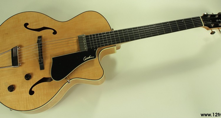 Godin-5th-Avenue-Jazz-Natural-front-view
