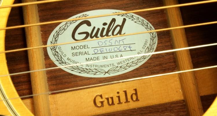 Guild-D55NT-Natural-Dreadnought-1980-label