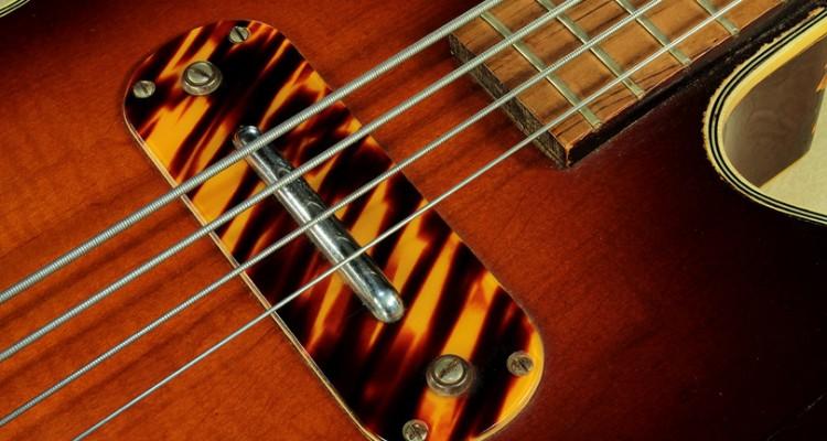 Kay-Model-K162-Hollowbody-Bass-1957-pickup