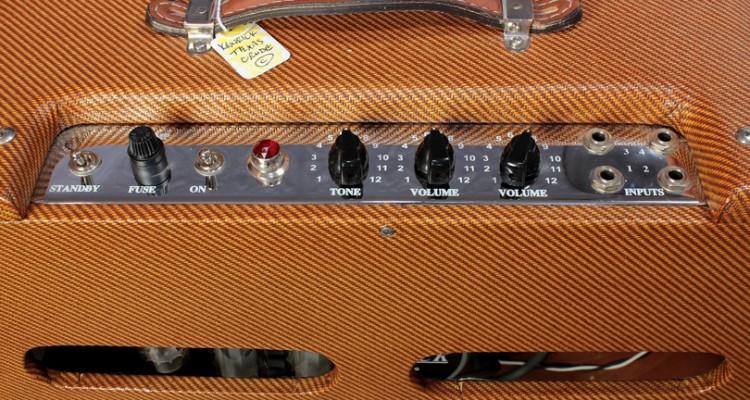 Kendrick-Texas-Crude-Harp-Amp-2009-controls