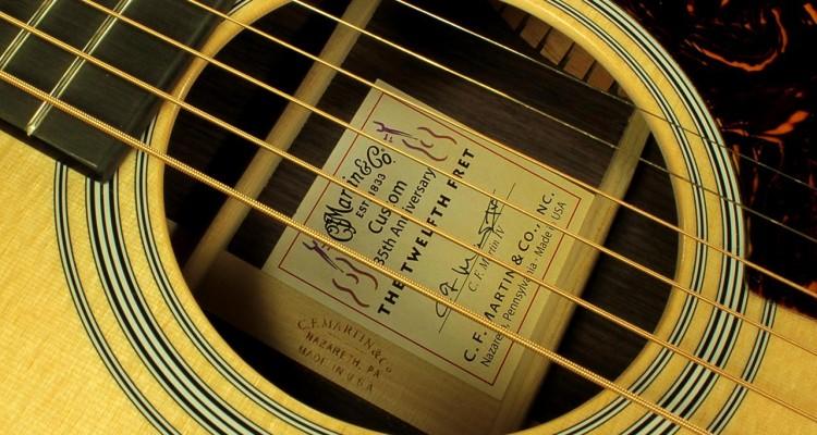 martin-om-28-12fret-35th-anniversary-label-2