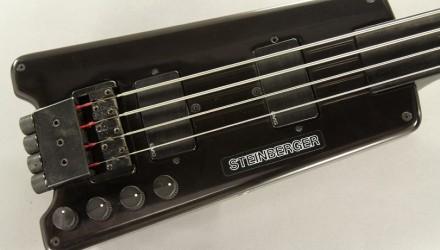 Steinberger-L2-Fretless-Bass-1982-top