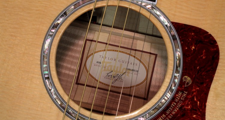 Taylor-618e-Maple-.label