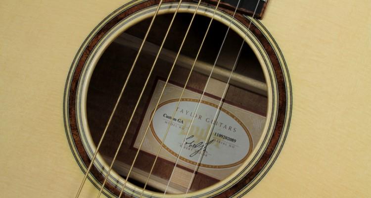 Taylor-Custom-GA-Mahogany-label